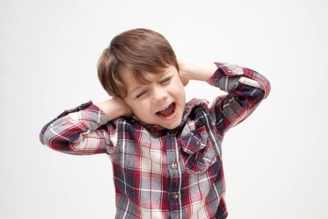 子供が急性中耳炎になった!アレルギー性鼻炎が原因かも?